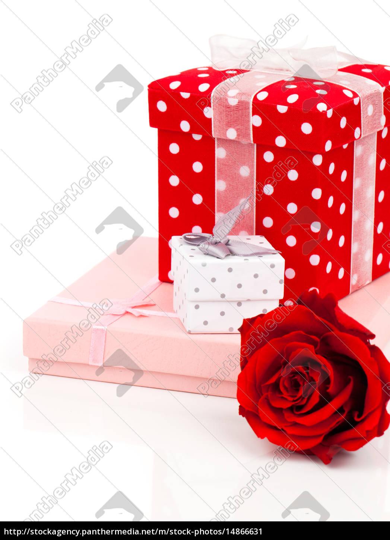 Geschenk Boxen auf weißem Hintergrund - Lizenzfreies Bild ...