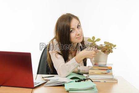 the teacher loves her flower