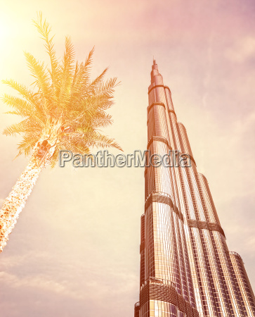 burj khalifa on sunset