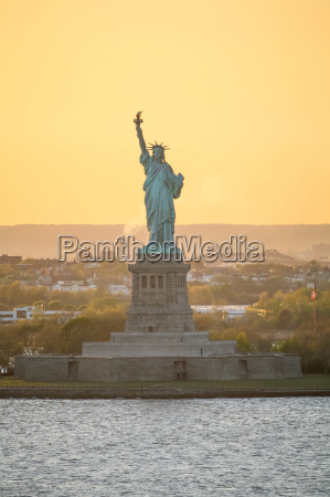 front view of liberty statue