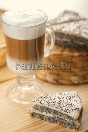 latte with dessert