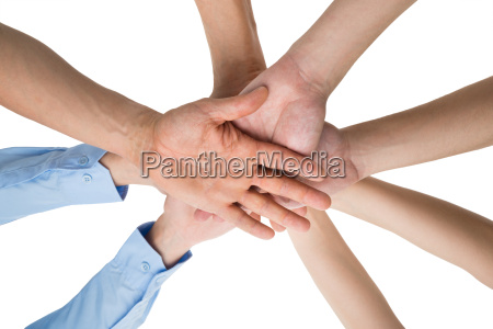 menschen haende stapeln zusammen