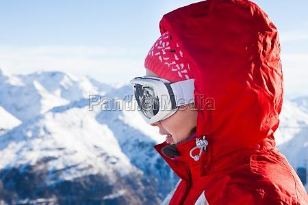skifahrer tragen ski brillen