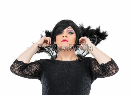 schauspieler drag queen gekleidet als frau