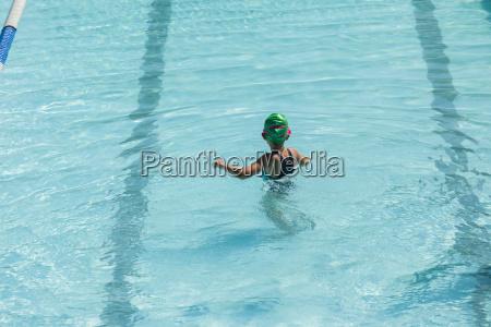 maedchenschwimmen