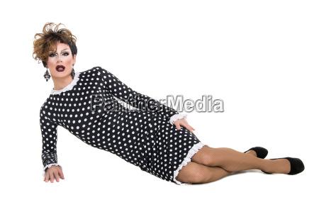 drag queen in schwarz weiss kleid