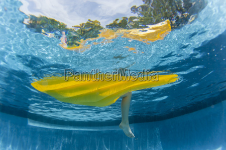 underwater girl air matt