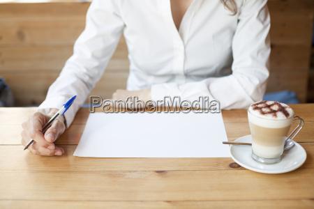 denken auf blatt schreiben