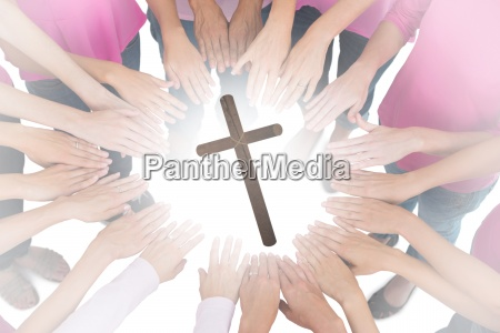 frau hand haende religion wohlbefinden wohlergehen