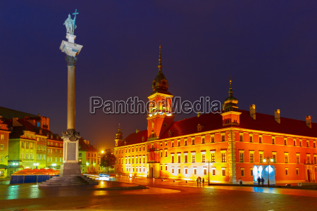 castle square at night in warsaw