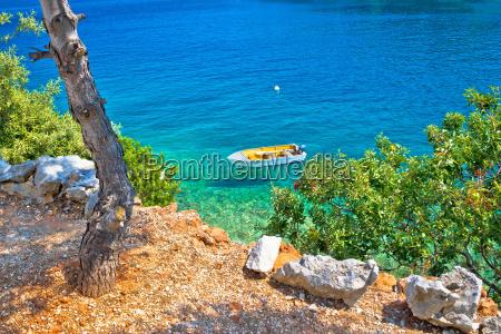 idylle kiefer strand in kroatien
