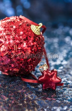 weihnachtsdekoration auf blau