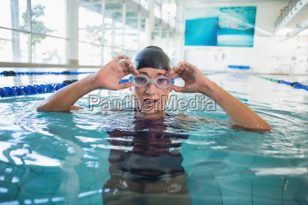 female swimmer in the pool at