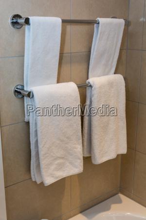 badezimmer handtuecher weisse handtuecher auf