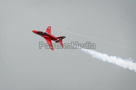 red arrow flugzeug im flug