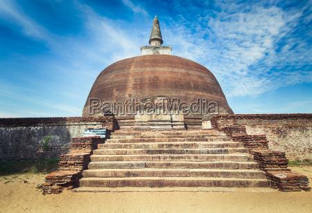 rankoth vehera polonnaruwa sri lanka