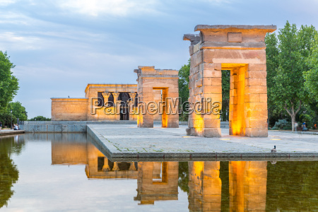temple, de, debod, madrid - 15588328