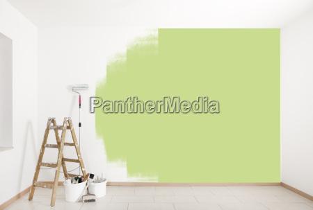 gruene wand streichen