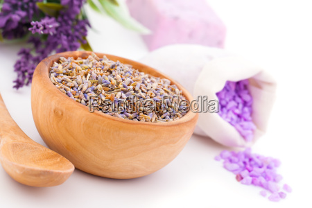 lavender dry flowers bath salts