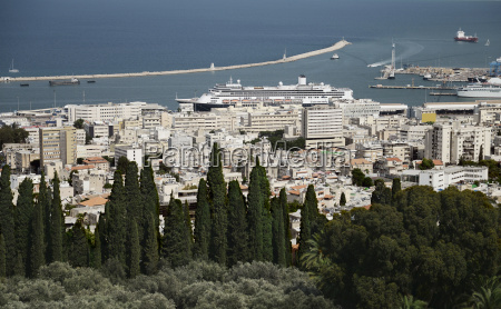 panoramic view from bahai gardens to