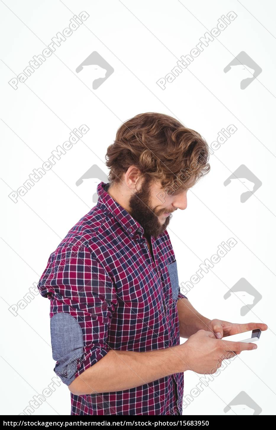 side, view, of, hipster, using, smartphone - 15683950