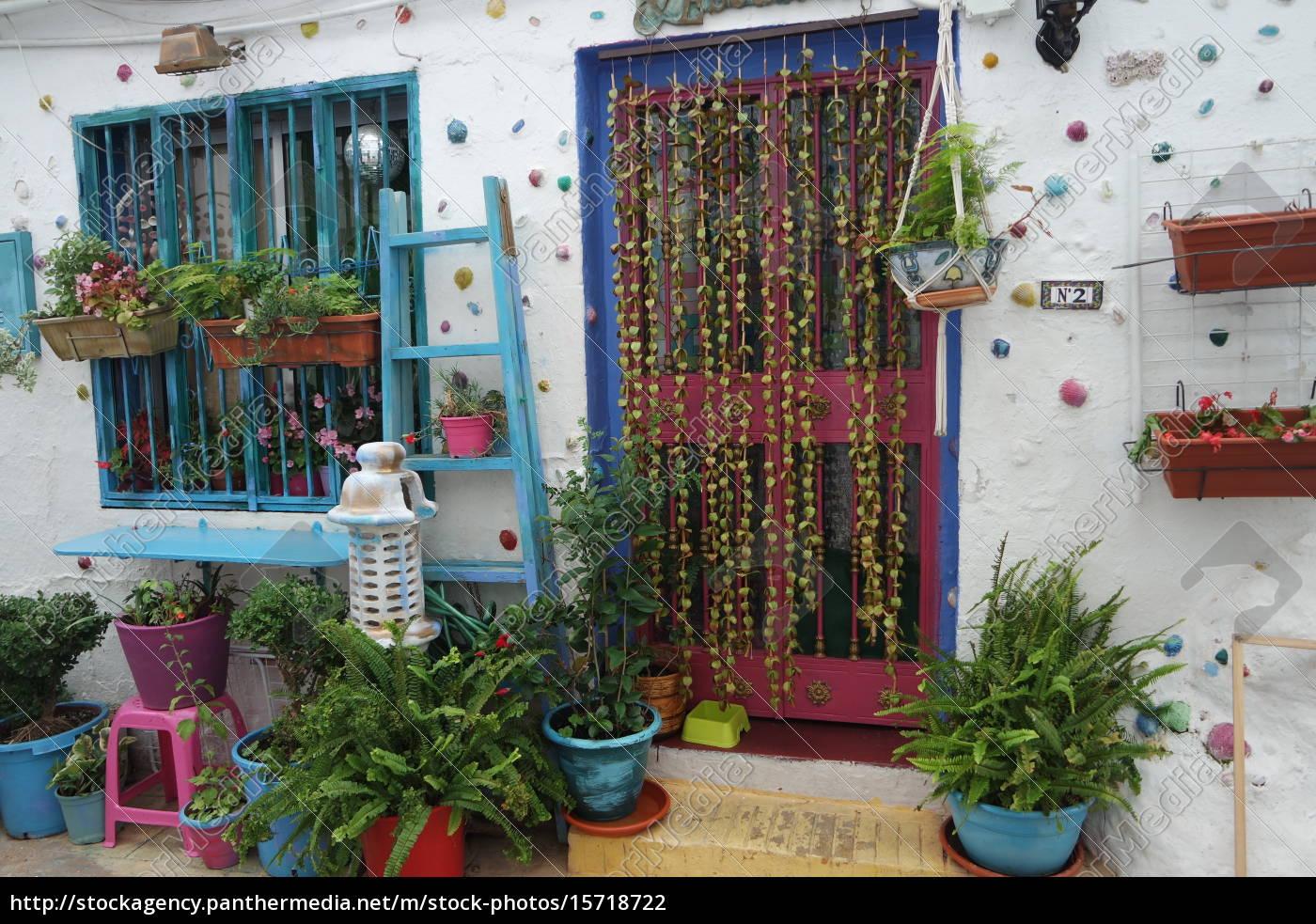 Bunt Dekoriertes Haus In Andalusien Stockfoto 15718722
