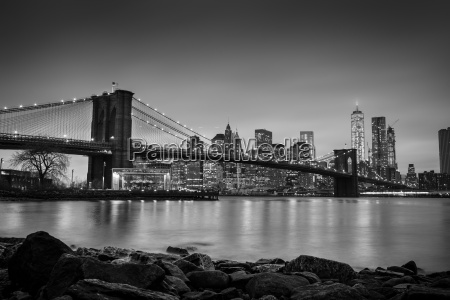 brooklyn bridge at dusk new york