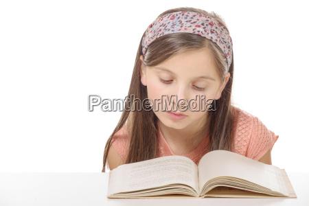 kleine, schülerin, mädchen, studieren, und, lesen - 15727972