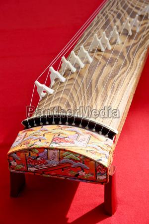 traditionelles japanisches musikinstrument