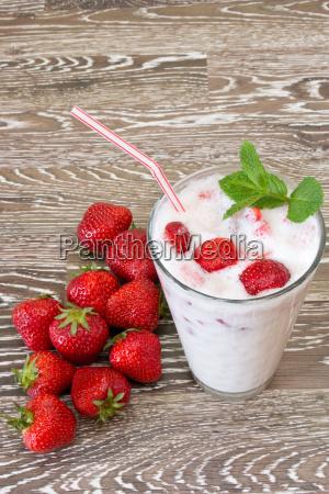 fruity strawberry milkshake