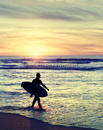 alter angeredeter surfer
