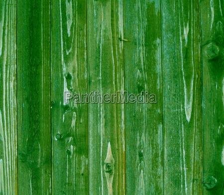 gruene holzbretter