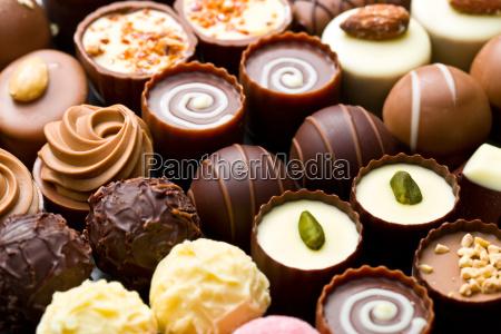 vielfalt schokoladenpralinen