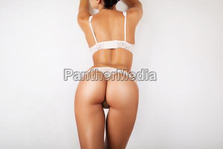 sexy kurven maedchen buttohne cellulite