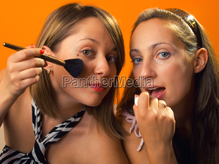 auftragen von make up auftragen von