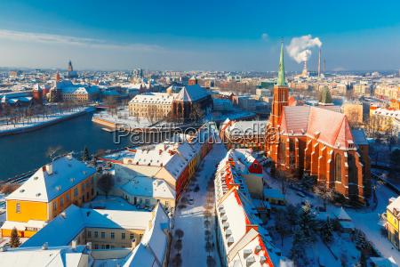 luftaufnahme von wroclaw in der wintermorgen