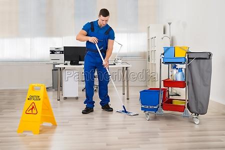 janitor, mopping, stockwerk, büro - 15865857