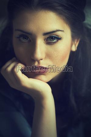 woman face portrait charme beauty dapper