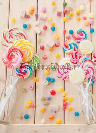 bunte lollis und bonbons