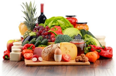 bio lebensmittel wie gemuese obst brot