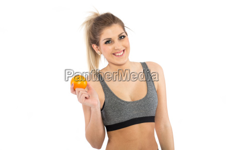 lachende frau mit orange