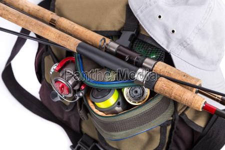 tackles in handtasche mit muetze
