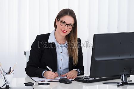 oficina grafico persona mujer de negocios