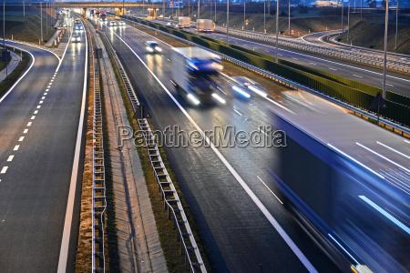 vierspurige autobahn in polen