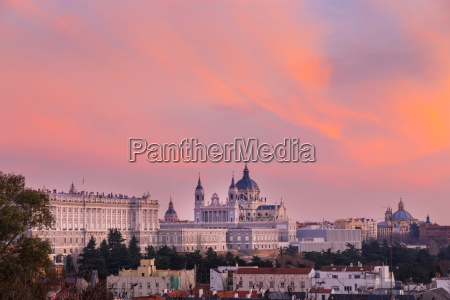 almudena cathedral and royal palace in