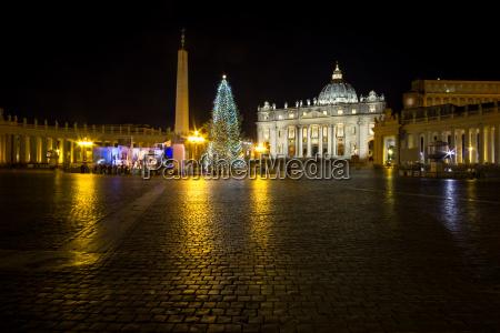 saint peters plaza und weihnachtsbaum