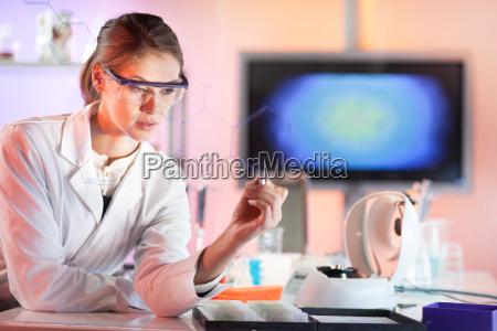 life, science, forscherin, arbeitet, im, labor. - 16141173