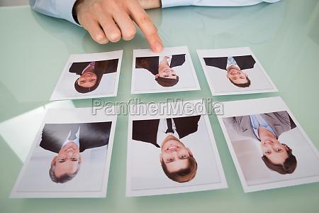 geschaeftsmann hand auswahl foto von einem