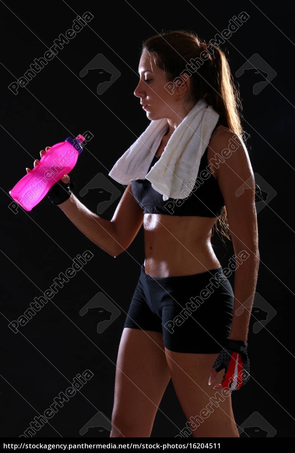 fitness., young, woman, drinking, water - 16204511
