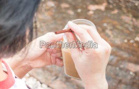 trinken trinkend trinkt getraenk zechen handgemacht